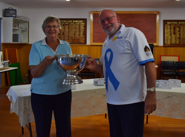 Dorothy Shroeder (V Pres) & John Roelofs (Pres) - Mixed Doubles champs 2018